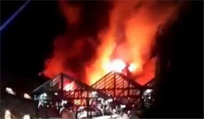युवक की हत्या के बाद ऋषिकेश में बवाल, कई दुकानों को किया आग के हवाले