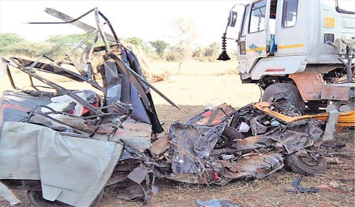 अजमेर में हुआ भीषण सड़क हादसा, 2 ट्रेलरों की टक्कर के बाद लगी आग में दोनों ड्राईवर जिंदा जले