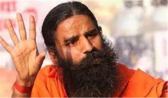 केरल के सीएम ने आरएसएस पर लगाए गंभीर आरोप, बाबा रामदेव उतरे स्वयं सेवक संघ के समर्थन में