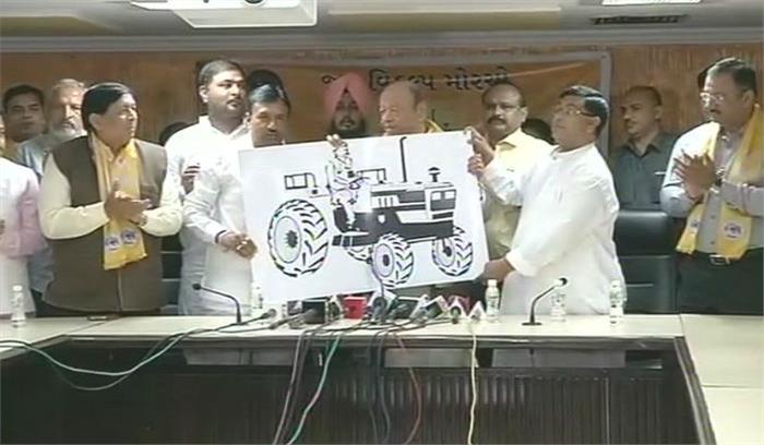 एक बार फिर से चुनाव लड़ेंगे शंकर सिंहवाघेला, पार्टी का निशान किया लाॅन्च