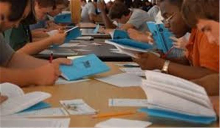 अब इंजीनियरिंग और मैनेजमेंट के छात्रों को रट्टा लगाने की जरूरत नहीं, किताबें खोलकर दे सकेंगे परीक्षा