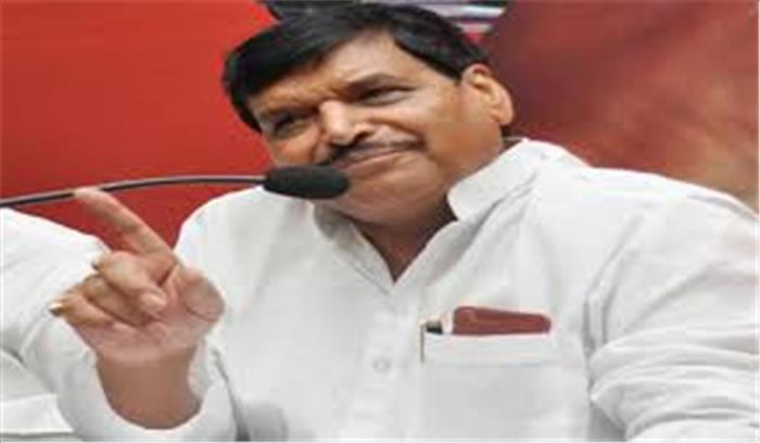 उत्तरप्रदेश में खिसक सकता है सपा का जनाधार, शिवपाल ने दिए कांग्रेस में शामिल होने के संकेत