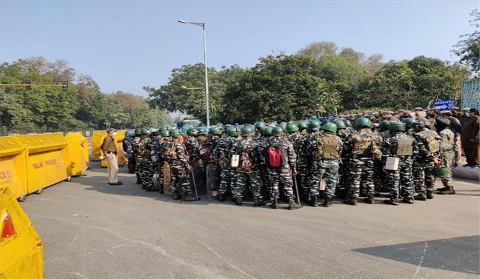 LIVE - दिल्ली में कई मेट्रो स्टेशन बंद किए गए , 50 हजार सुरक्षाबल तैनात - ड्रोन से निगरानी