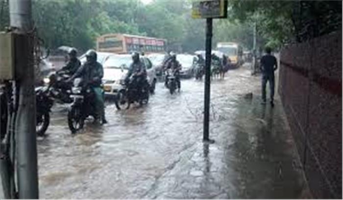केरल के बाद तमिलनाडू और पुदुच्चेरी में भी भारी बारिश की चेतावनी, 3 दिन हैं भारी