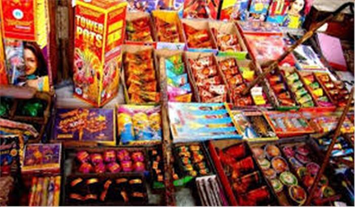 दिल्ली-NCR में पटाखों की ब्रिकी का मामला सुप्रीम कोर्ट में , कल तय होगा बाजारों में लगेंगी पटाखों की दुकान या नहीं