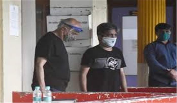 सुशांत सिंह राजपूत सुसाइड केस -सांताक्रूज पुलिस स्टेशन में महेश भट्ट से दो घंटे हुई पूछताछ