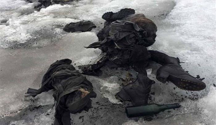 पहाड़ियों पर बर्फ में दबा मिला लापता दंपति का शव, 75 साल से दबा हुआ था बर्फ में