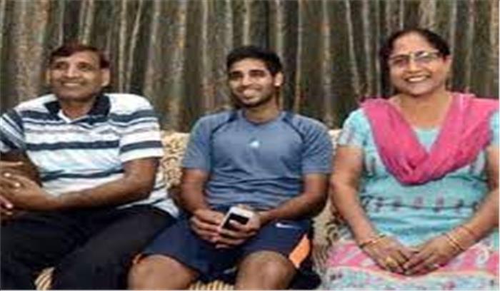 क्रिकेटर भुवनेश्वर कुमार पर टूटा