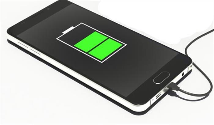 अब स्मार्टफोन की बैट्री चार्ज करना होगा आसान, वैज्ञानिकों का दावा शरीर की बिजली से होगी चार्ज