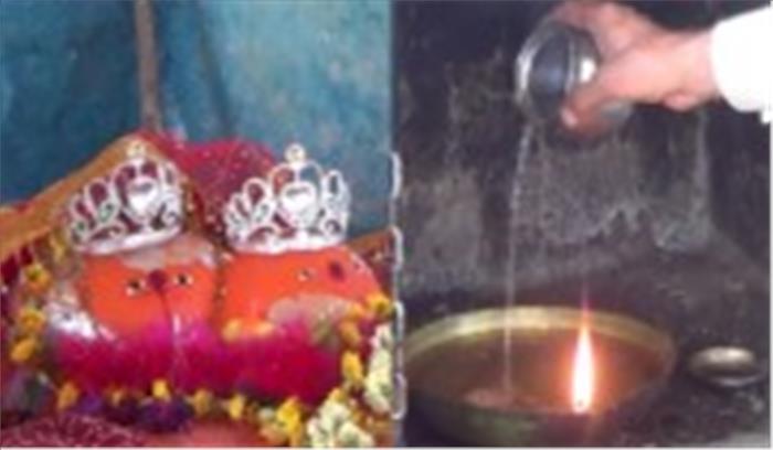 माता के इस मंदिर में तेल की जगह पानी से जलता है दीया