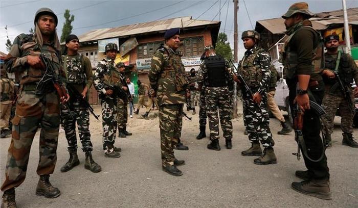 दक्षिण कश्मीर में हिजबुल का आतंकी गिरफ्तार, बड़ी मात्रा में हथियार बरामद