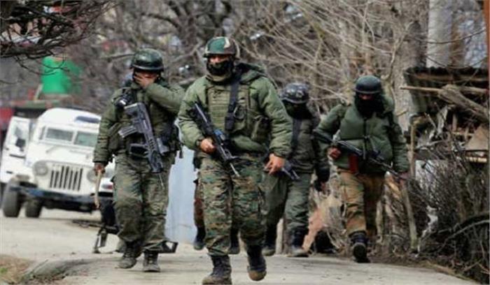 काजीगुंड और त्राल में सुरक्षाबलों और आतंकियों के बीच मुठभेड़, सर्च आॅपरेशन जारी