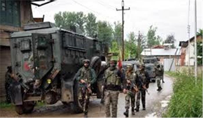 अभी अभी - जम्मू कश्मीर के पंपोर में आतंकियों ने सुरक्षाबलों पर किया हमला , 2 जवान शहीद 5 घायल