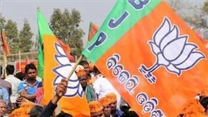 भाजपा प्रत्याशी मतदान केंद्र में evm तोड़ने के आरोप में गिरफ्तार
