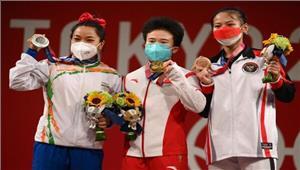 tokyo olympics 2020 - भारत को पहले दिन पहला मेडल  भारोत्तोलन स्पर्धा में 21 सालों का इंतजार खत्म  मणिपुर में जमकर आतिशबाजी