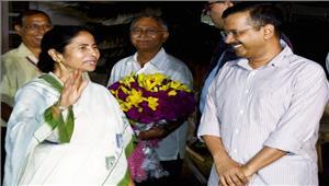 विधायकों की सदस्यता रद्द करने के मामले में केजरीवाल को मिला 'दीदी' साथ चुनाव आयोग की तीखी आलोचना