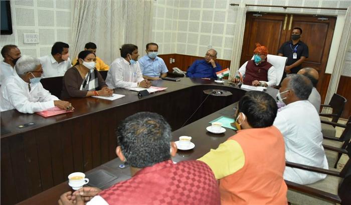 CM धामी बोले - मोहल्ला स्वच्छता समिति के सफाई कार्मिकों को 10 हजार रूपये का प्रतिमाह मानदेय देने पर होगा विचार