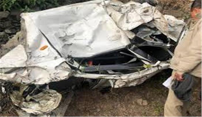 लक्ष्मणझूला-नीलकंठ मार्ग पर हुआ बड़ा सड़क हादसा, 6 बच्चों समेत 10 लोग घायल