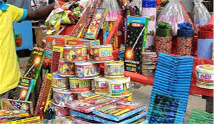 दिवाली का मजा हो सकता है किरकिरा, 'चीनी' पटाखों की बिक्री पर तत्काल प्रभाव से प्रतिबंध