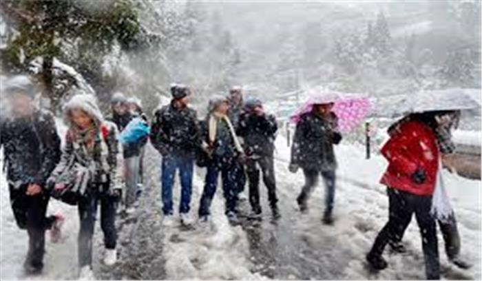 पूरे उत्तराखंड ने ओढ़ी सर्द सफेद चादर, मौसम विभाग ने जारी किया 24 घंटे का अलर्ट