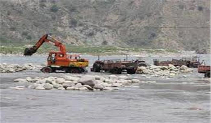 उत्तराखंड सरकार को सुप्रीम कोर्ट ने दिया झटका, गंगा में खनन पर रोक बरकरार