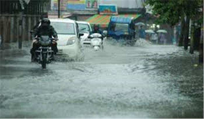 राजधानी देहरादून में दोपहर बाद शुरू हुई तेज बारिश, लोगों को मिली थोड़ी राहत और बढ़ी परेशानी