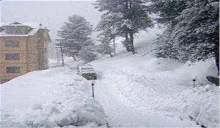 उत्तराखंड में एक बार फिर से मौसम ने बदला मिजाज, 3 जिलों में भारी बर्फबारी के आसार