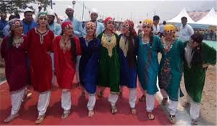 टिहरी महोत्सव का हुआ रंगारंग आगाज, 14 राज्यों के कलाकारों ने पेश किया सांस्कृतिक कार्यक्रम