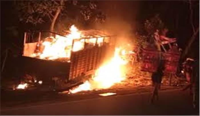 दौलतपुर में तेज रफ्तार ट्रक ने एक कांवड़िए को कुचला, गुस्साई भीड़ ने वाहन को किया आग के हवाले