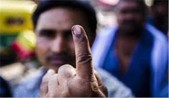 एसेंबली इलेक्शन में भारी वोटिंग जारी, यूपी में 41 और उत्तराखंड में 39 परसेंट वोट पड़ चुके