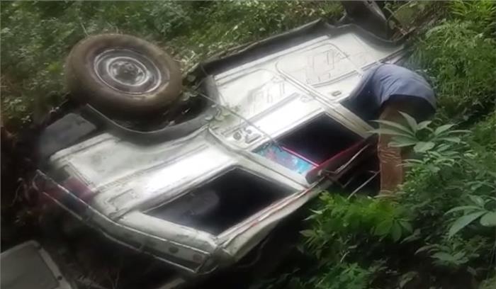 चमोली में स्कूली बच्चों का वाहन खाई में गिरा , 6 स्कूली बच्चों समेत आठ गंभीर रूप से घायल