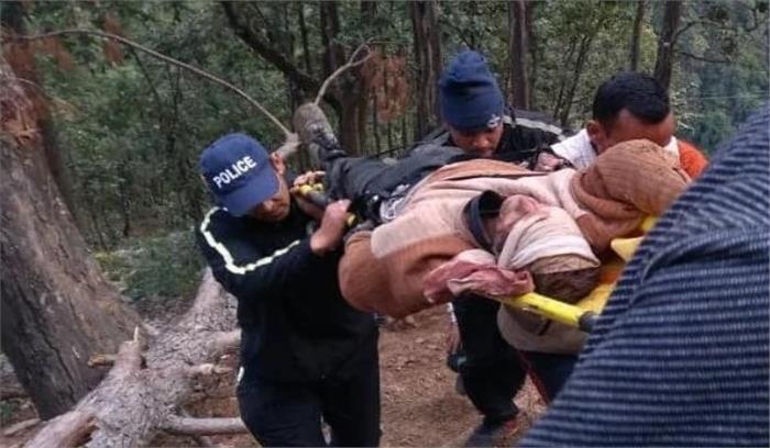 चंपावत में अंतिम संस्कार के लिए जा रहा शव यात्रा वाहन खाई में गिरी , 5 लोगों की मौत, 10 घायल