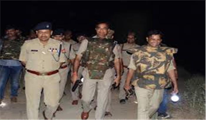 अलीगढ़ में युवती से छेड़छाड़ के बाद माहौल तनावपूर्ण, बड़ी संख्या में पुलिस बल की तैनाती