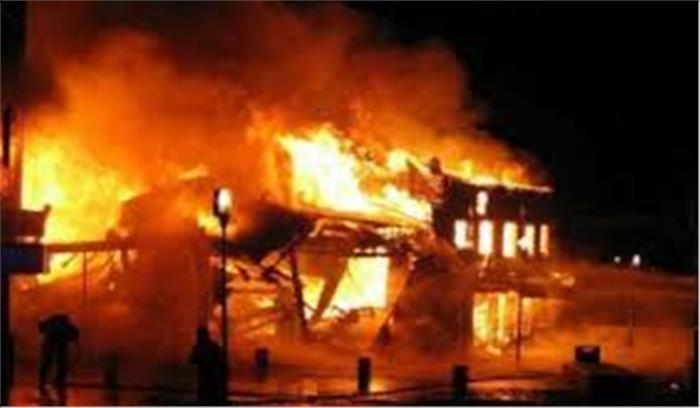 कानपुर की केमिकल फैक्ट्री में लगी भीषण आग, दर्जन भर से ज्यादा दमकल की गाड़ियां मौके पर
