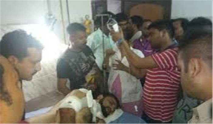 बीआरडी अस्पताल कांड के आरोपी डाॅक्टर कफील के भाई पर जानलेवा हमला, बदमाशों ने मारी 3 गोलियां, हालत गंभीर