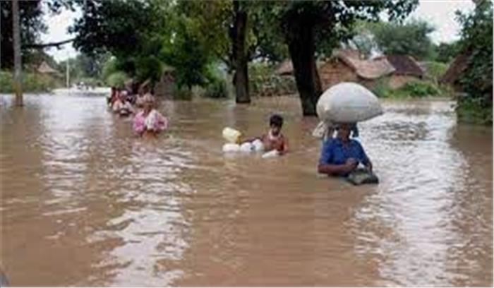 बिहार के कई जिलों में बाढ़ का खतरा , रिहायशी इलाकों में पानी भरा , NDRF की टीमें बचाव कार्यों में जुटीं