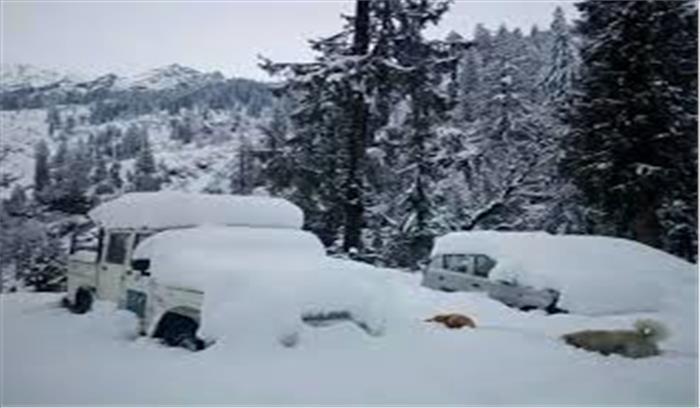 दिल्ली में 8 जनवरी तक मौसम का अलर्ट , मनाली में भारी बर्फबारी से फंसे सैकड़ों पर्यटक