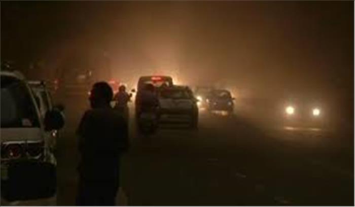 पूरे देश में मौसम का कहर जारी, 50 लोगों की मौत, दिल्ली-एनसीआर में कई पेड़ उखड़े, 48 घंटे भारी