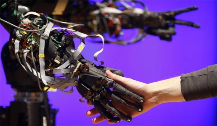 अगले 7 सालों में दुनिया का आधा काम छीन लेंगे रोबोट, WEF ने चेताया- लोगों को कौशल विकास पर देना होगा ध्यान